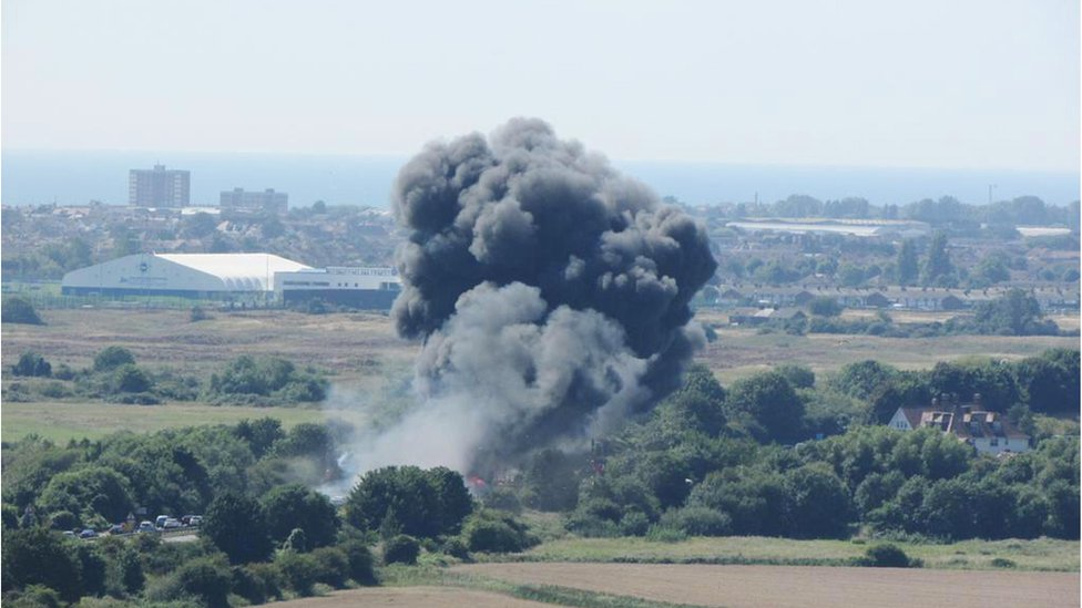 Shoreham air crash trial: Pilot Andy Hill 'did nothing' to avoid crash