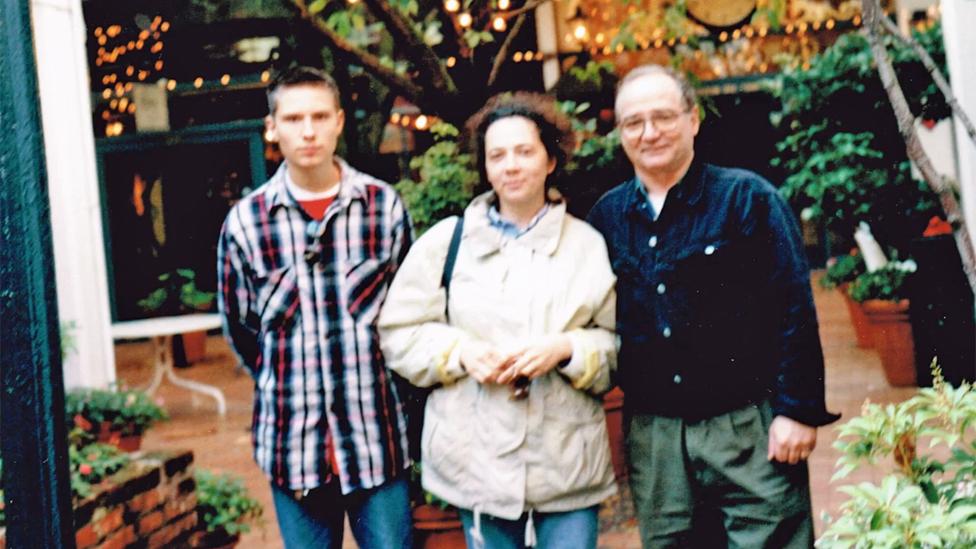 Wes con Elena y James