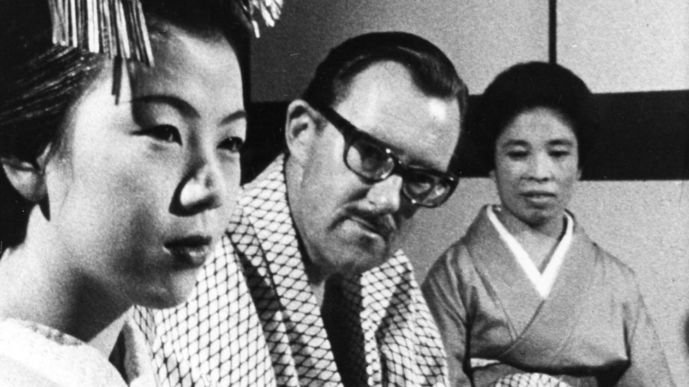 Alan Whicker in Japan