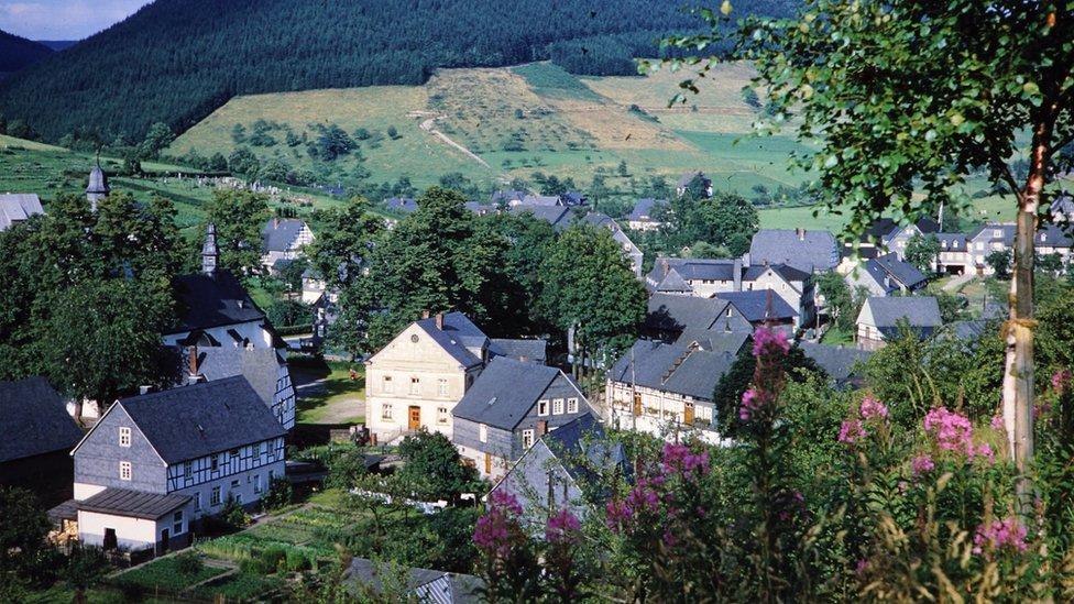 El pueblo de Oberkirchen en Alemania