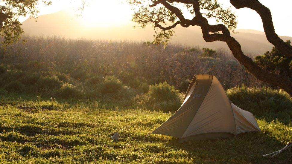 Šator spada u osnovnu opremu za kampovanje