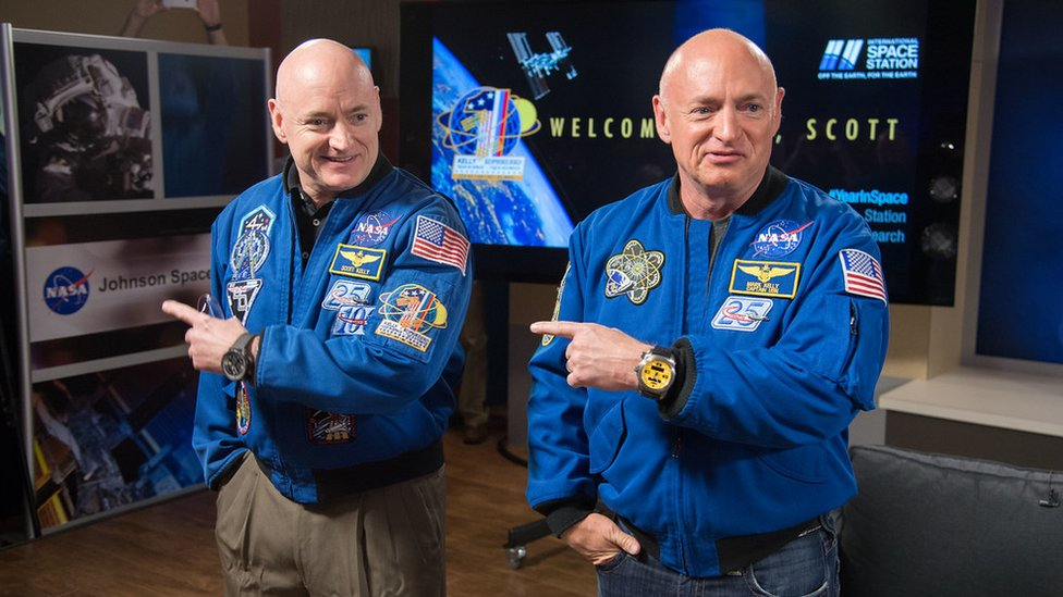 Scott (L) and Mark Kelly