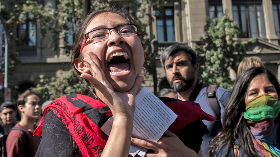 Students save on fees, but Chile's universities struggle