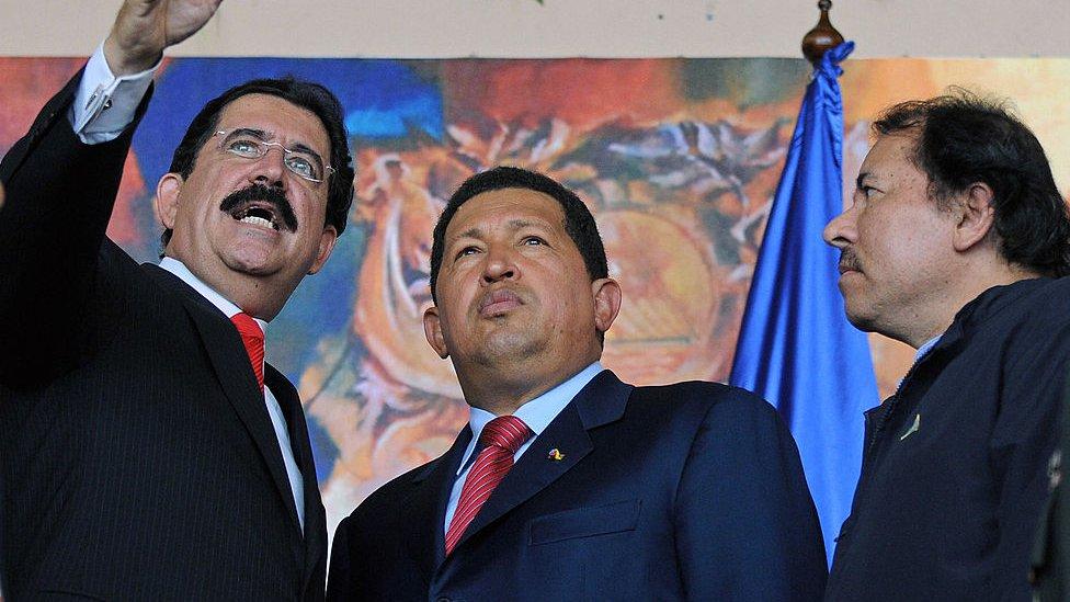 Manuel Zelaya con Hugo Chávez y Daniel Ortega