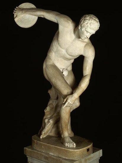 Estatua griega de un atleta