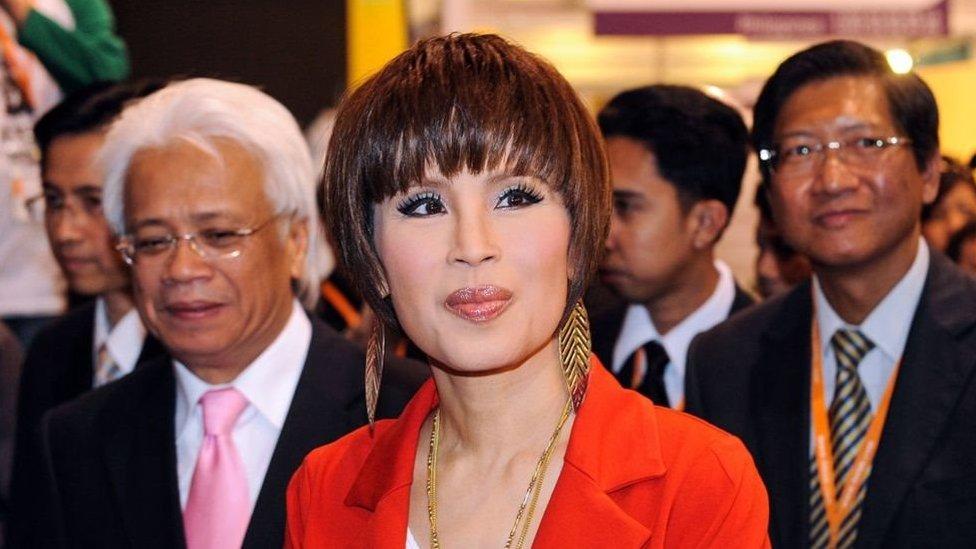 في خطوة غير مسبوقة، التحقت شقيقة ملك تايلند بسباق المنافسة على منصب رئيس وزراء البلاد المقبل.