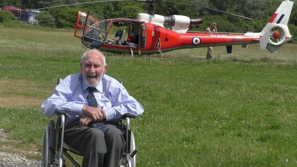 WW2 pilot flies 560-mile round trip to comrade's funeral