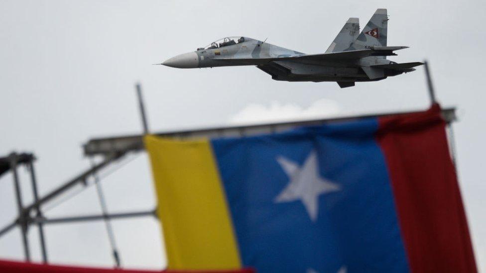 Durante el gobierno de Hugo Chávez, Venezuela adquirió una flotilla de modernos aviones rusos SU-30.