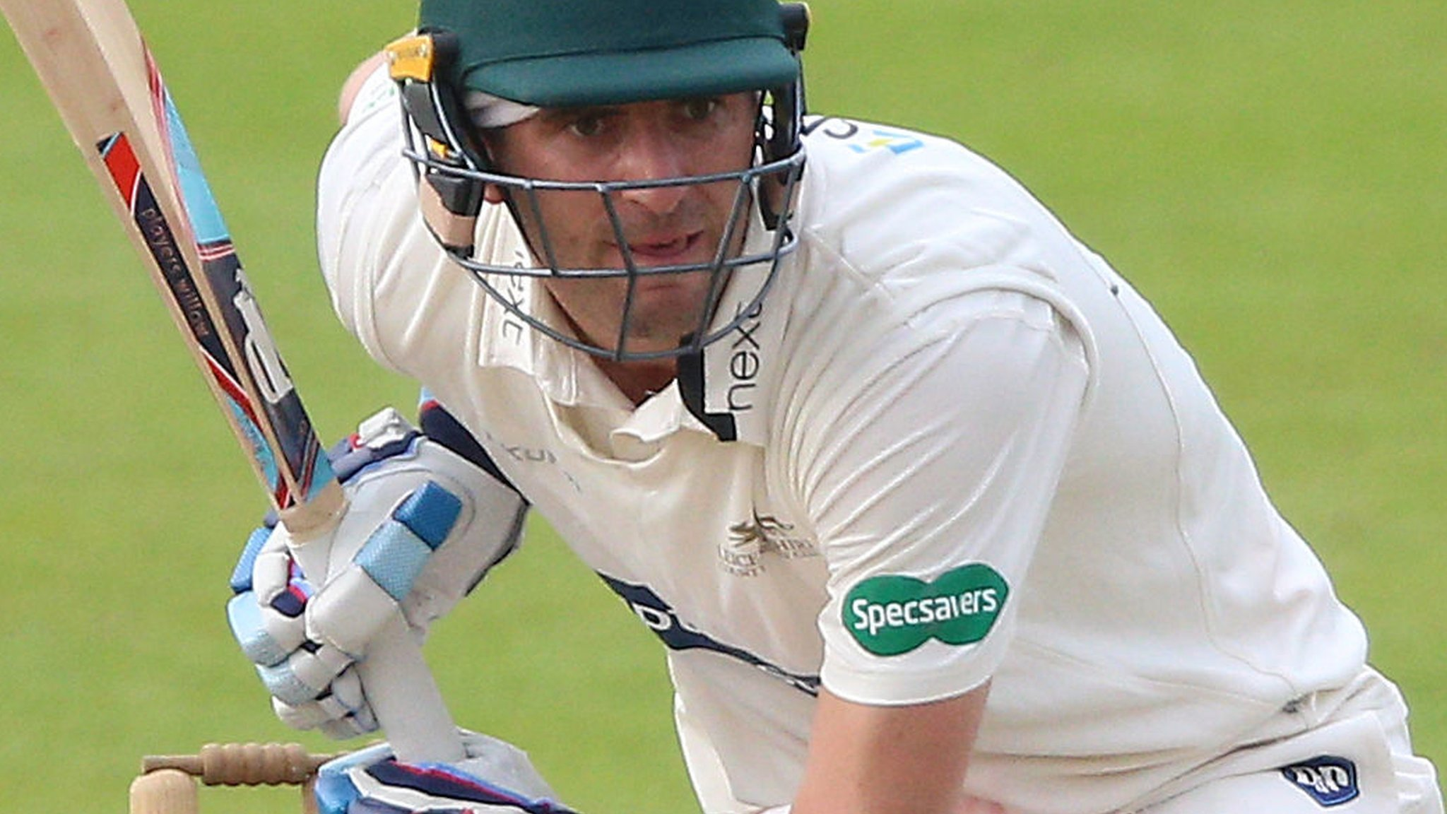 County Championship: Leicestershire's Colin Ackermann passes 150 v Middlesex