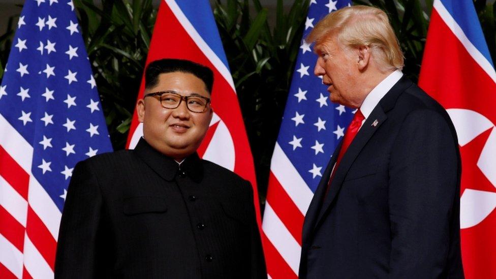 Es la primera vez que un presidente de Estados Unidos en funciones se reúne con un líder de Corea del Norte.
