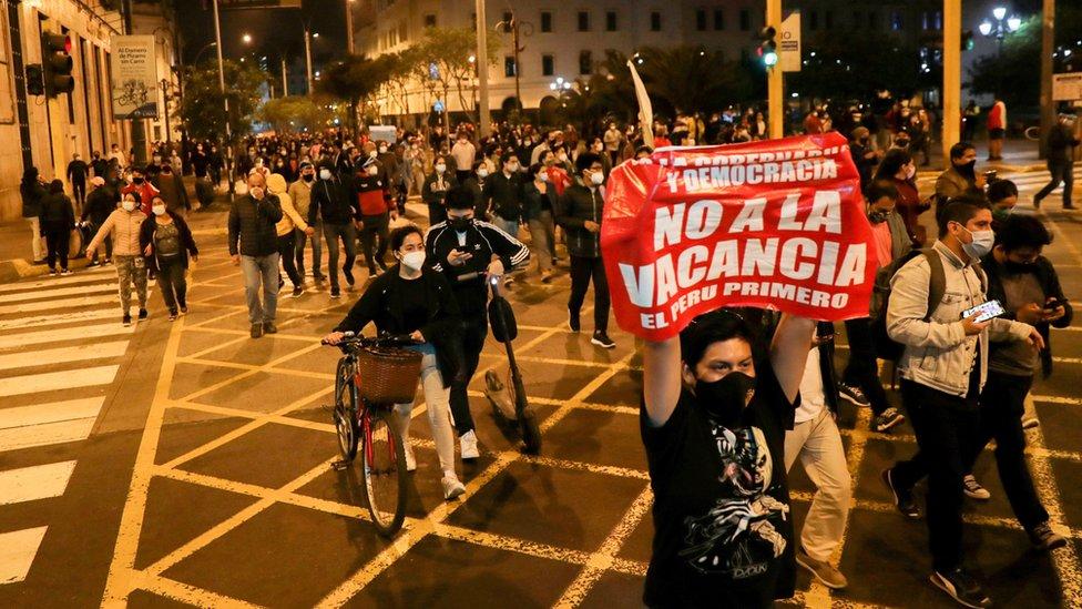 Protesta en Lima contra la vacancia