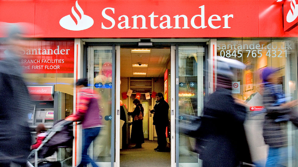 Santander to shut 140 branches