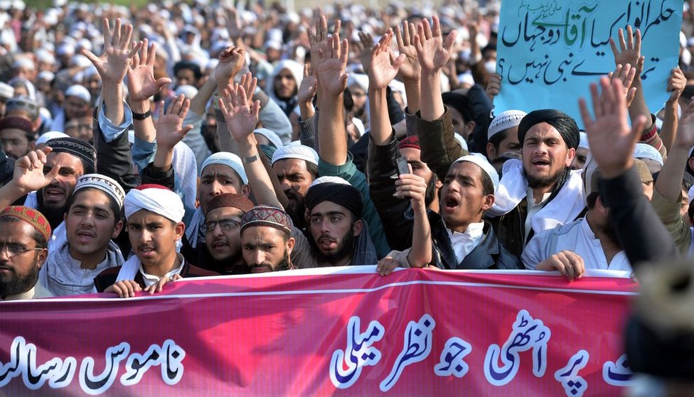 """Pakistani religious students and activists protest against social media in Islamabad on 8 March, 2017, demanding the removal of all """"blasphemous"""" content."""