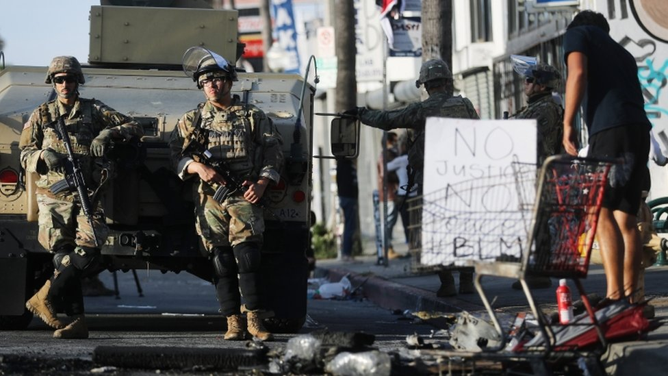 Nacionalna garda angažovana je u državama u kojima su protesti prerasli u nerede