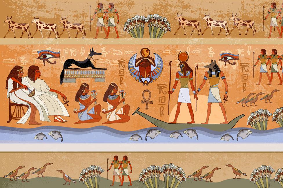 Mural con imágenes del Antiguo Egipto