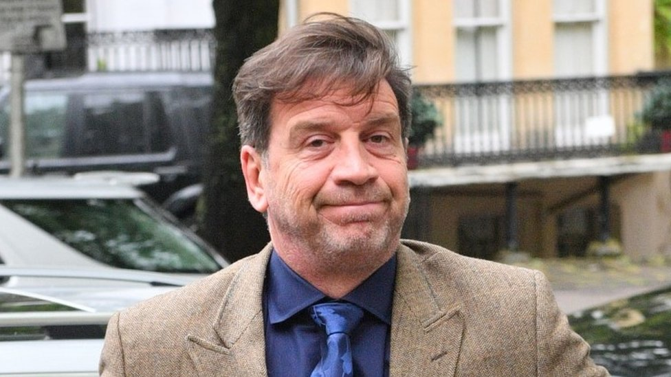 Nick Knowles: DIY SOS host banned from driving