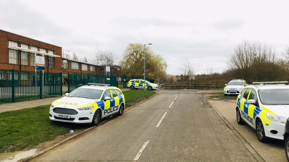 Teen bailed after Ipswich stab victim calls 999