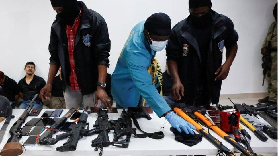 Armamento de los detenidos