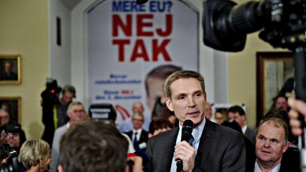 """Kristian Thulesen Dahl of the Danish People""""s Party campaigns in a referendum"""