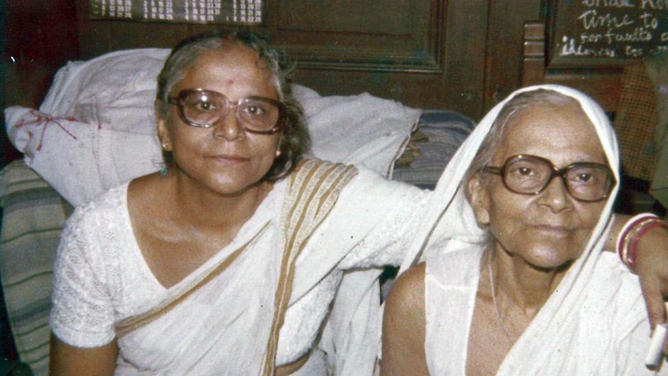 La madre de Chitrita Banger Gee y su abuela, Prabhabati Mukerjee,