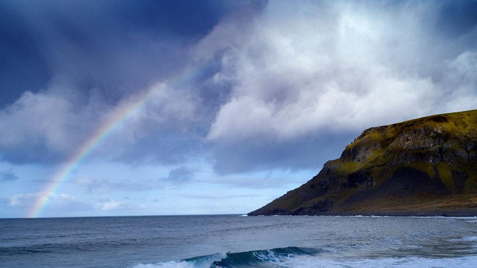 Un arcoiris en Unstad, Noruega
