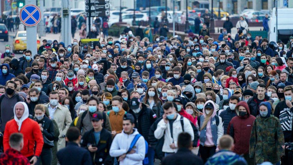 Los partidarios del activista de la oposición Navalny en una manifestación no autorizada.