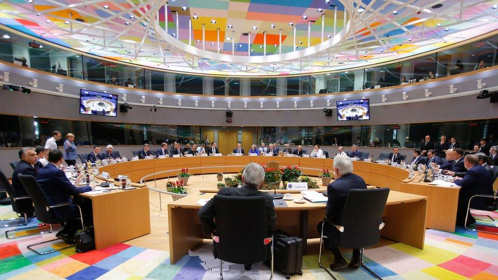 الدول التي جمدت أموال مبارك أعضاء في المجلس الأوروبي
