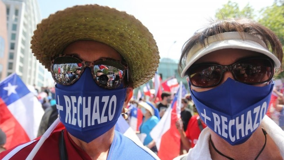 """Supporters of the """"Rejection"""" option of the next referendum demonstrate in Santiago, Chile, 17 October 2020."""
