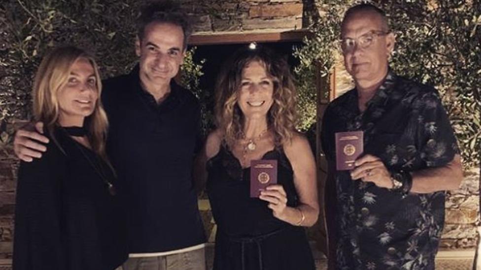 Tom Hanks y Rita Wilson junto al primer ministro de Grecia y su esposa