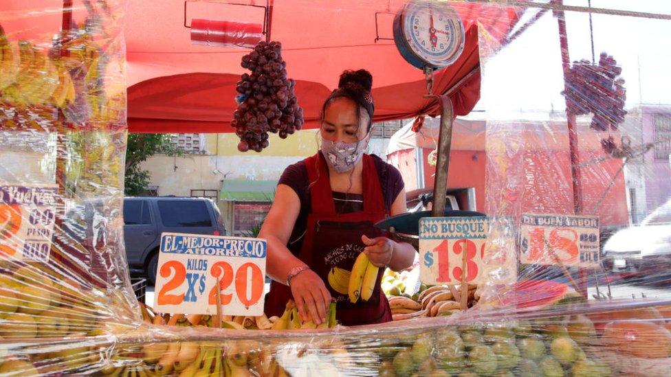 Vendedora de frutas en México
