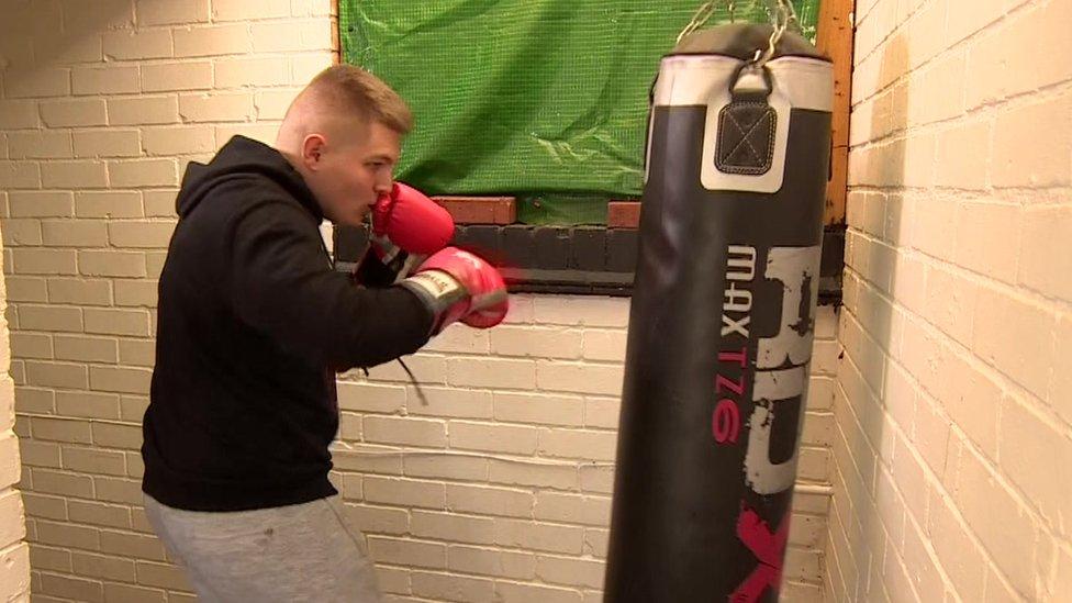 Ewan boxing