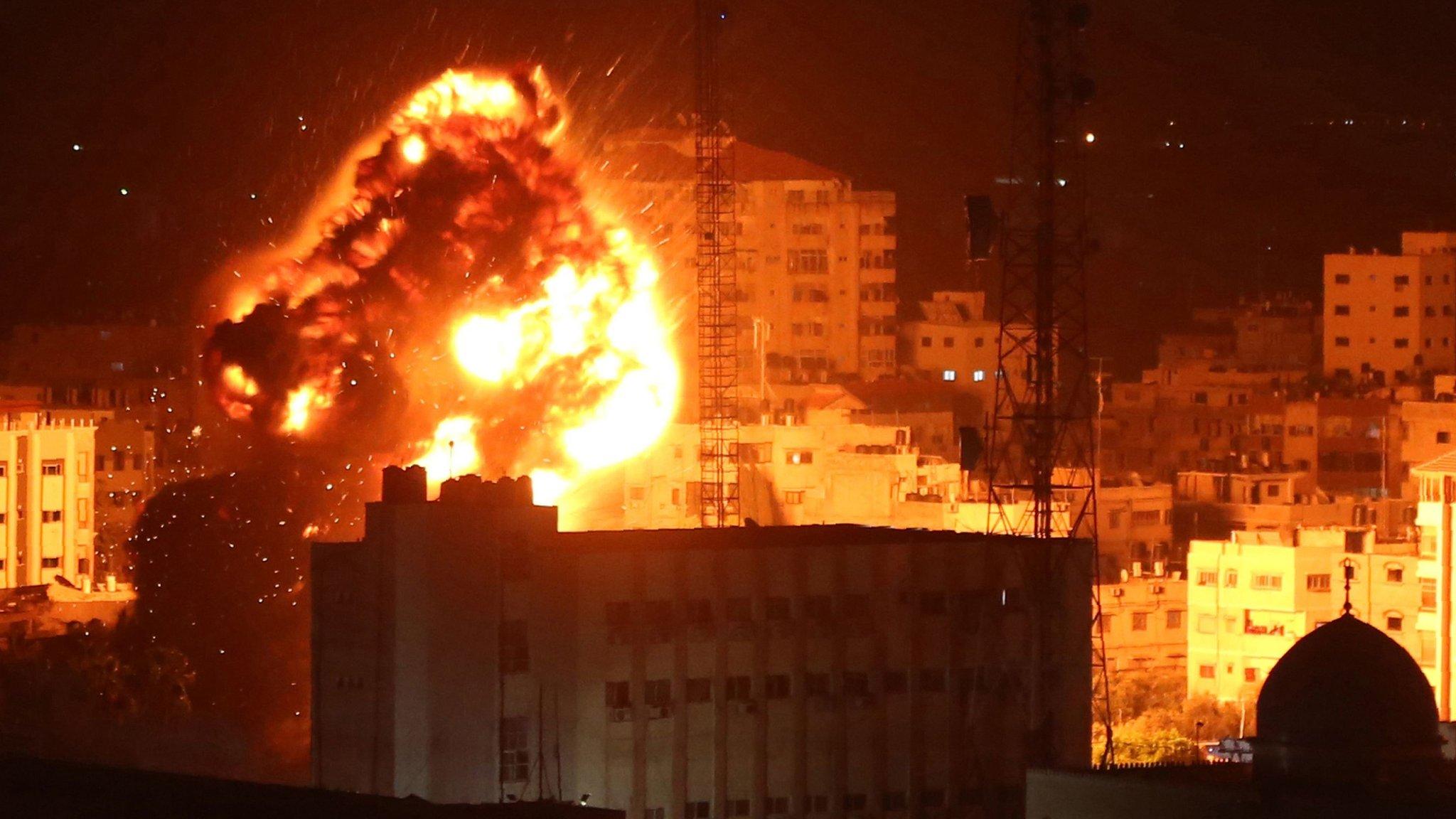 Израиль нанес ракетные удары по целям в Газе в ответ на обстрел
