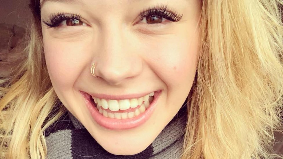 Sarah Papenheim: US student stabbed to death in Rotterdam