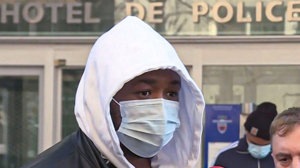 Избиение темнокожего продюсера полицейскими в Париже шокировало Макрона и Францию