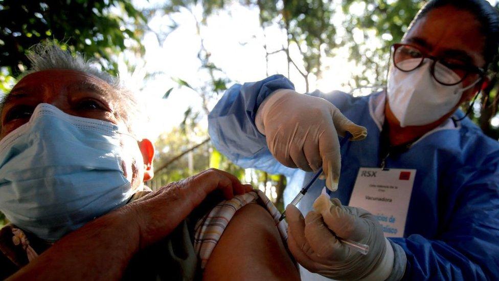 Vacunación en México contra covid-19.