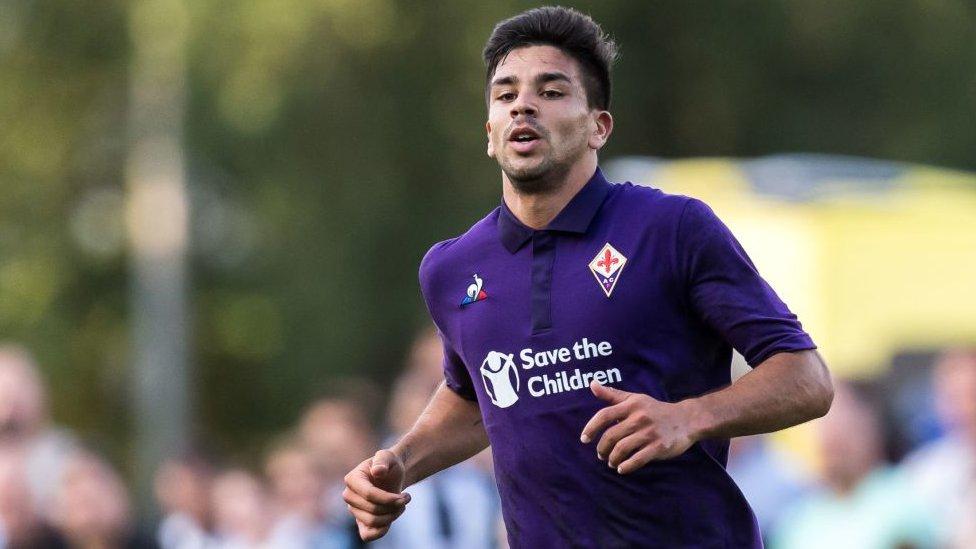 Giovanni Simeone milita actualmente en la Fiorentina.