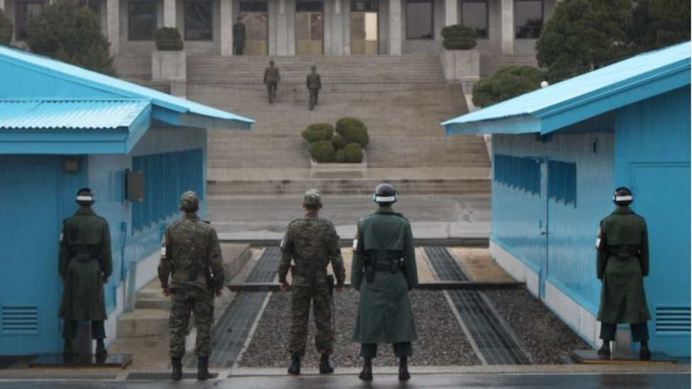 Solders at the inter-Korean border