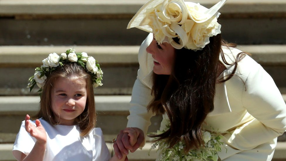 Kate Middleton, duquesa de Cambridge, con su hija mediana Charlotte.