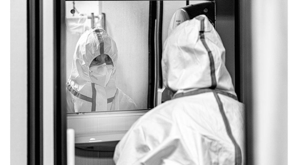 Medicinska sestra Slađana Đokić stotine sati je provela u skafanderu