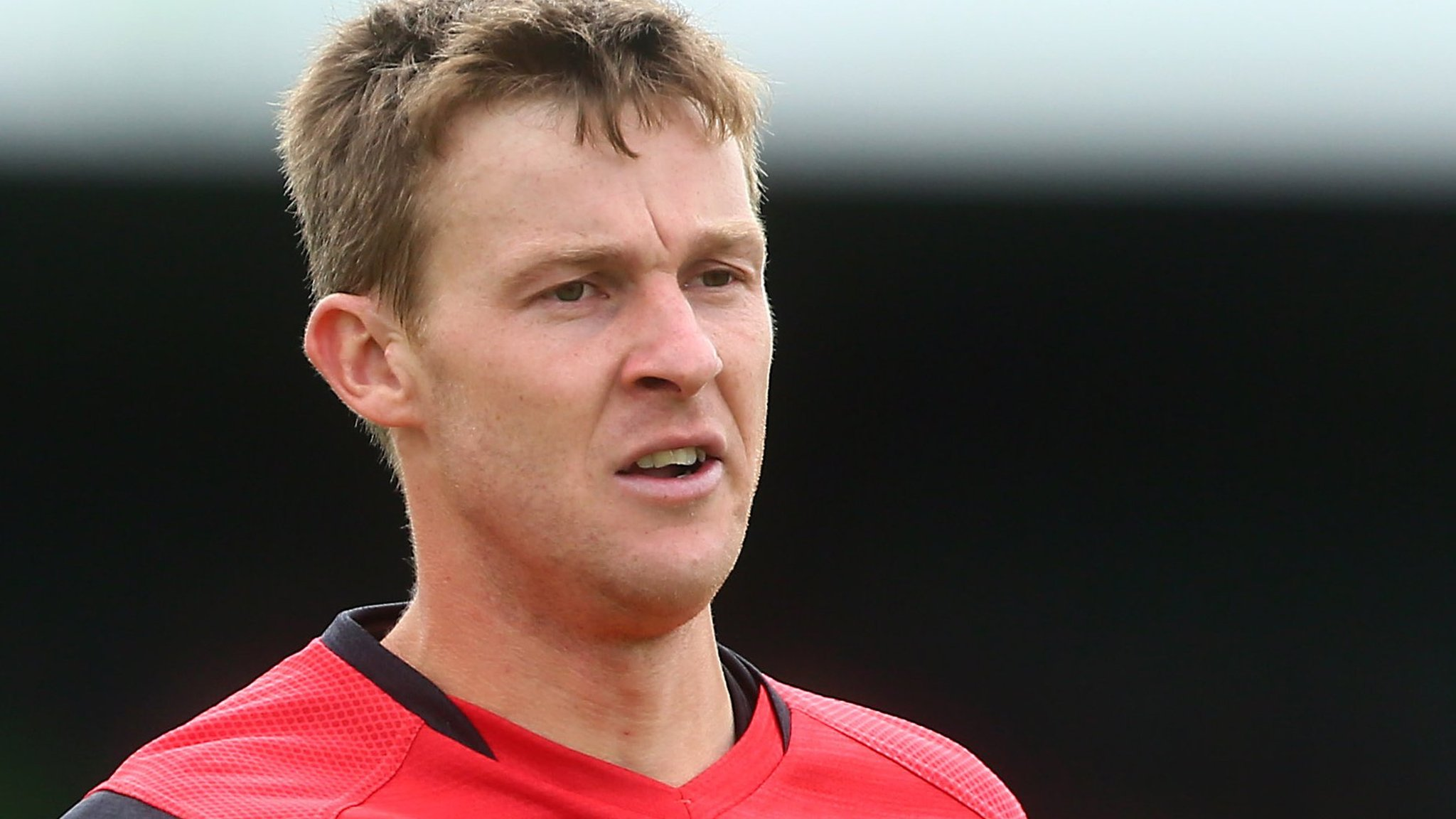 Paul Dixon: Grimsby Town defender leaves club by mutual consent