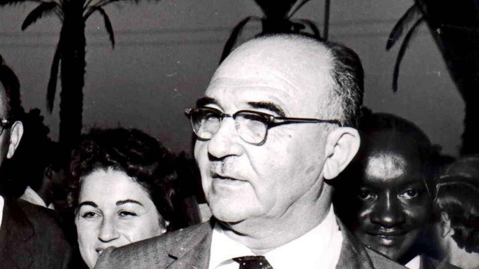 كان الجنرالات الإسرائيليون الشباب لا يثقون برئيس الوزراء الإسرائيلي ليفي إشكول