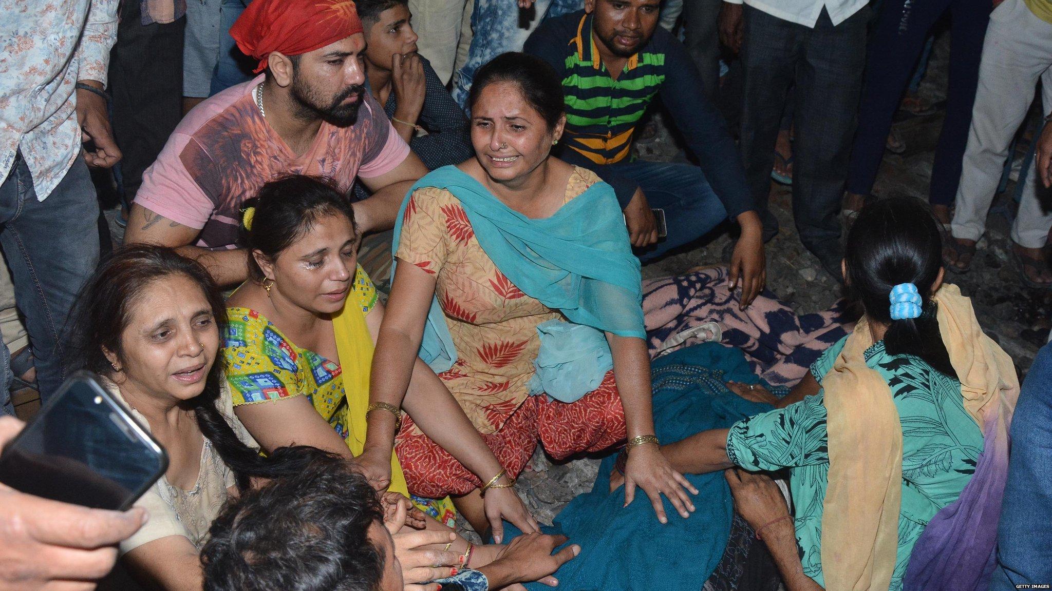 Image result for अमृतसर रेल हादसा: मेरी बेटी अनु अपनी ससुराल फगवाड़ा से दशहरे के लिए ही अमृतसर आई थी