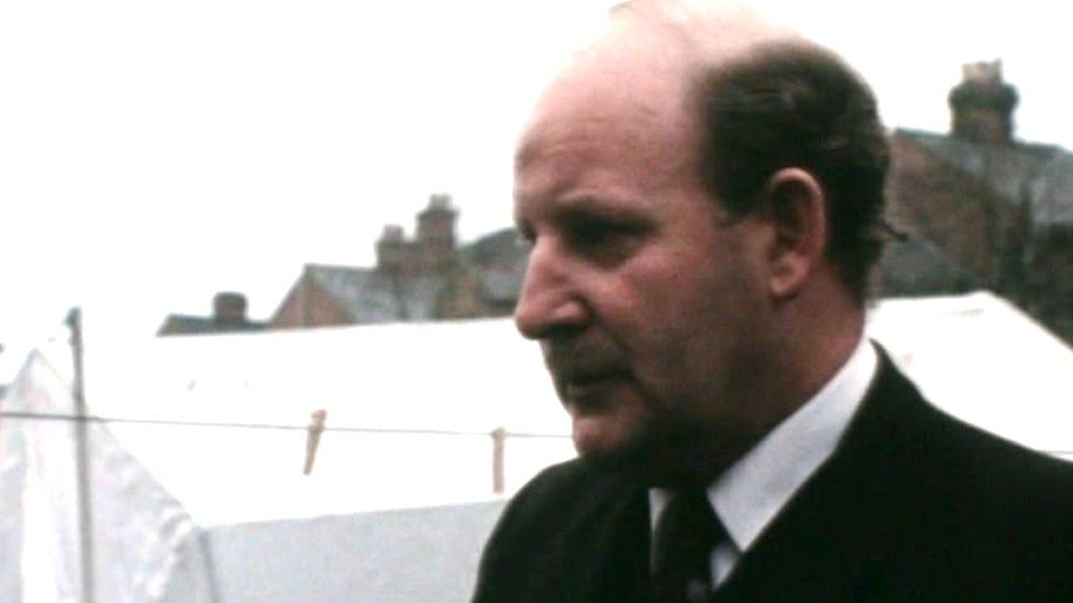 قاد روبرت بوث التحقيق في الجريمة عام 1973