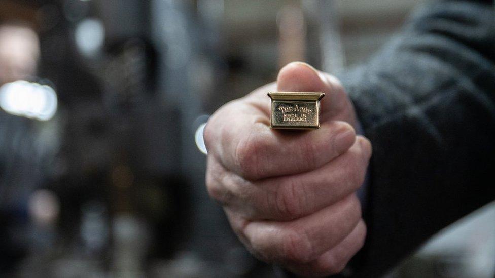 A replica clicker