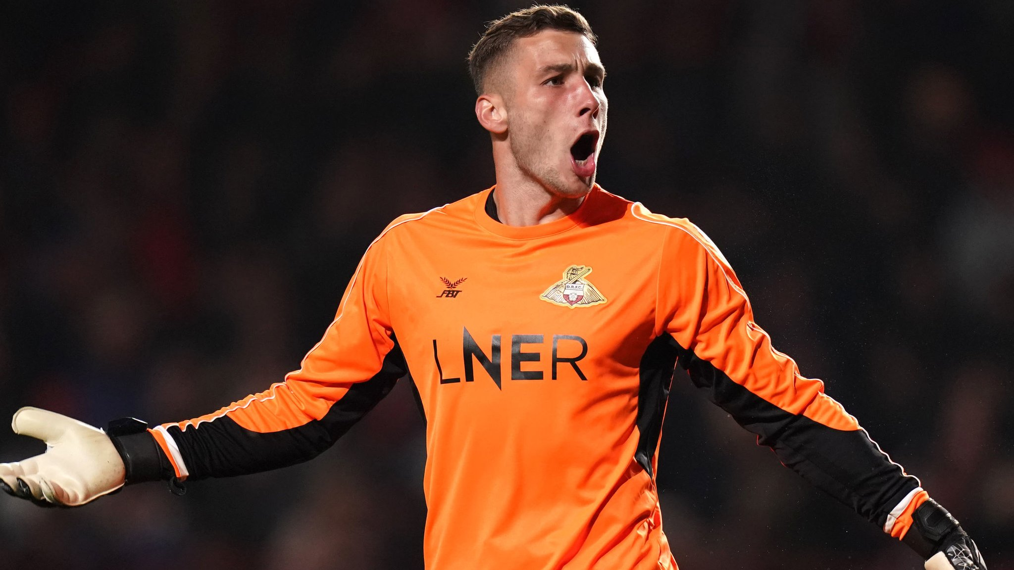 Marko Marosi: Coventry City sign Doncaster Rovers goalkeeper