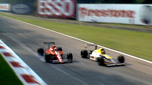 Thierry Boutsen (r) passes Nigel Mansell (l) at the Italian Grand Prix