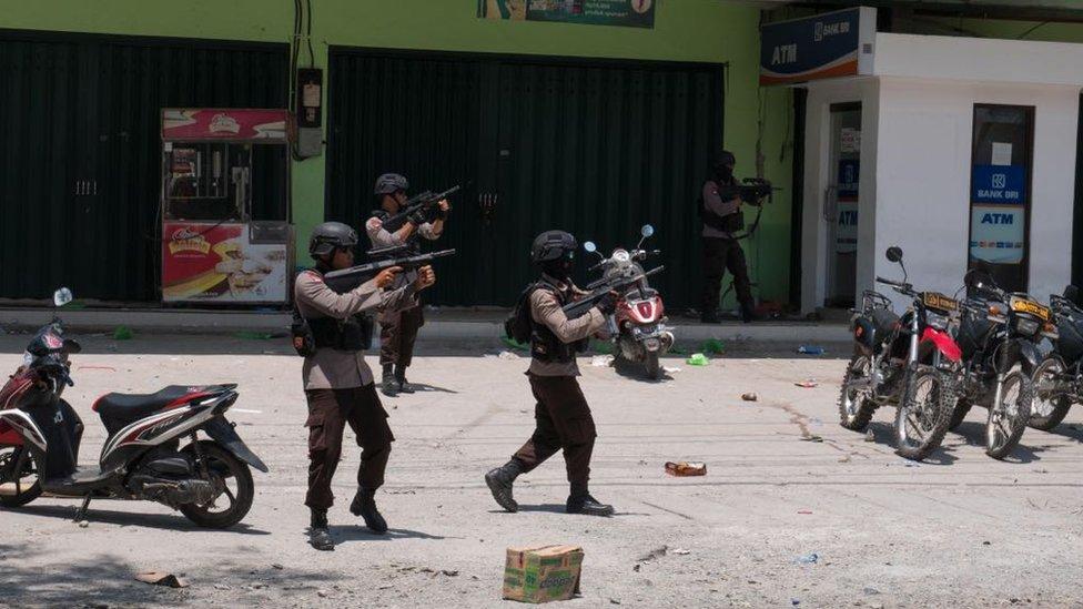 Policija u Indoneziji nakon zemljotresa