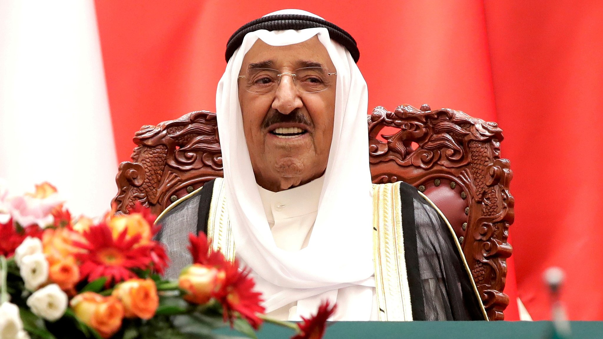 Kuwait's Emir Sheikh Sheikh Sabah al-Ahmed al-Sabah witnesses a signing ceremony at the Great Hall of the People in Beijing, China (9 July 2018)