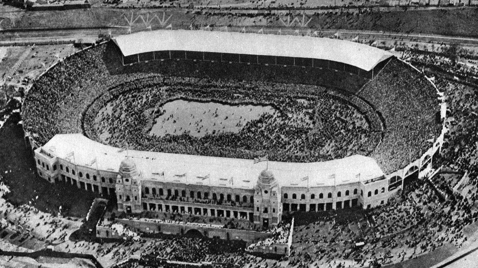 The original Wembley stadium on the day it hosted its first FA Cup final