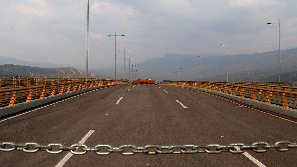 Puente de Tienditas